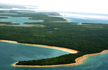 Les Cheneaux Islands West to East